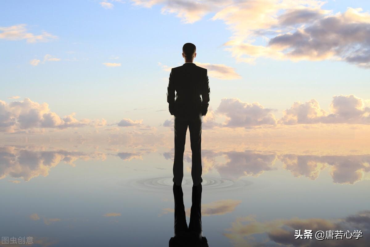真正自信的人,從不是耀武揚威,而是內心擁有三個穩定的特質