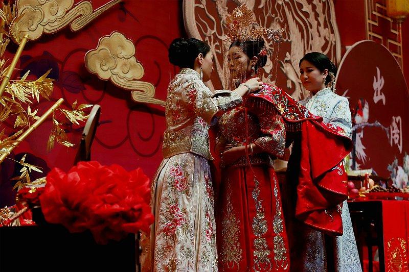 为爱造梦!平凉市婚博会唯美举办