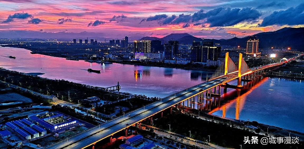 义乌市区人口_金华交警公布52个不礼让行人抓拍点 还有15个整治重点