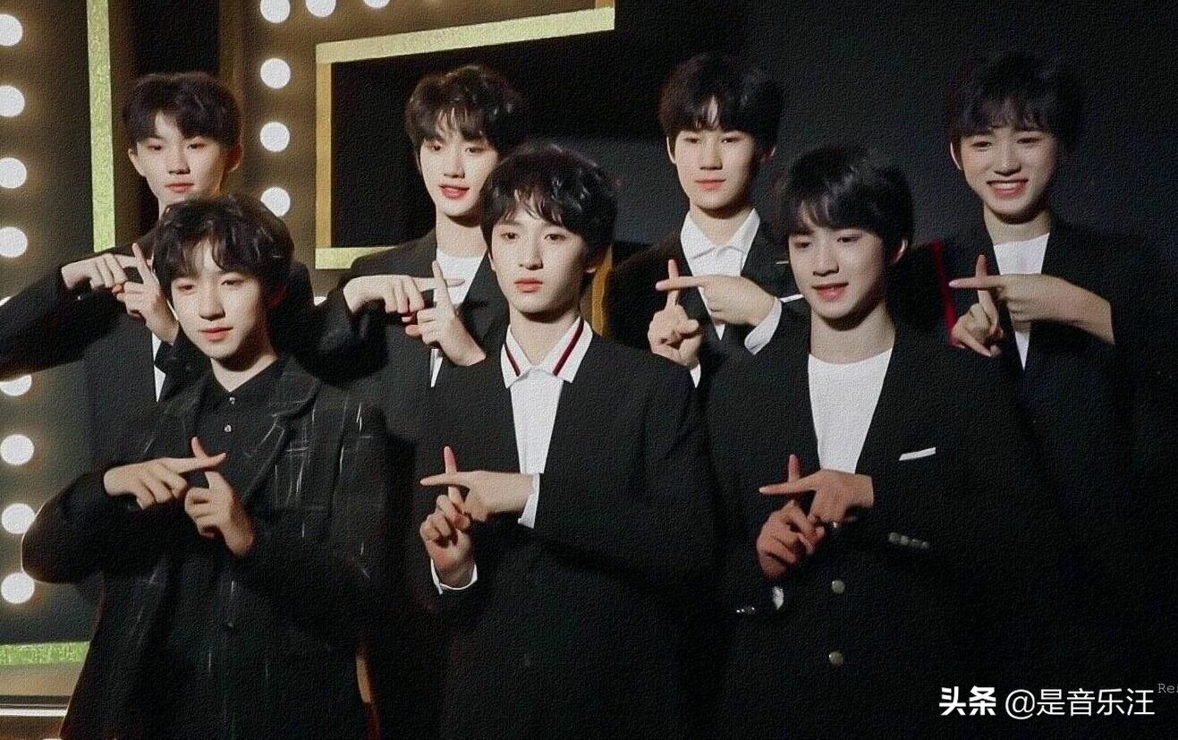微博之夜阵容曝光,新老两代歌手齐聚,华晨宇和蔡徐坤受邀加盟