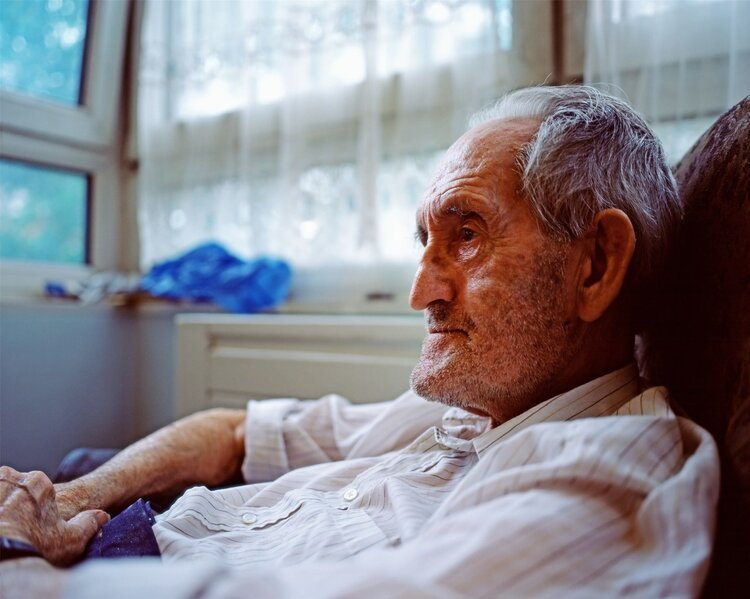 """被判活不过3个月的老人,被片仔癀治愈?片仔癀究竟治啥病? 原创2021-06-25 10:46·肿瘤的真相与误区 """"药中茅台""""片仔癀又火了!一片3g的药,如今被炒到1200元天价,依旧是一药难求。"""