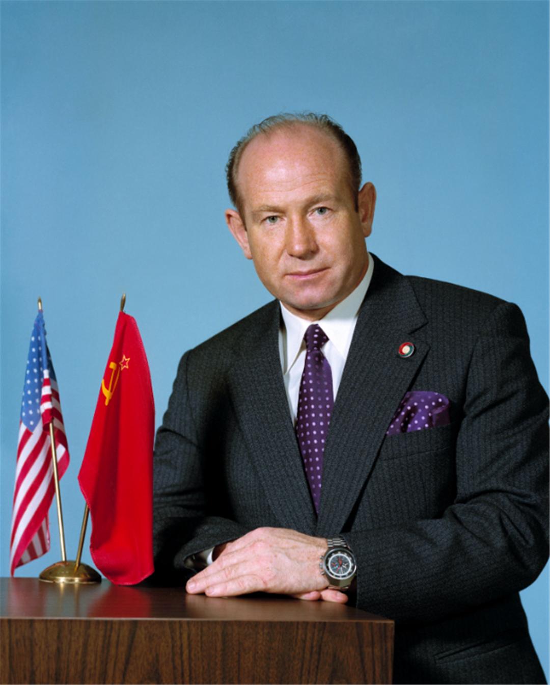 杨利伟进入太空为什么要带把枪?苏联的教训让人警醒