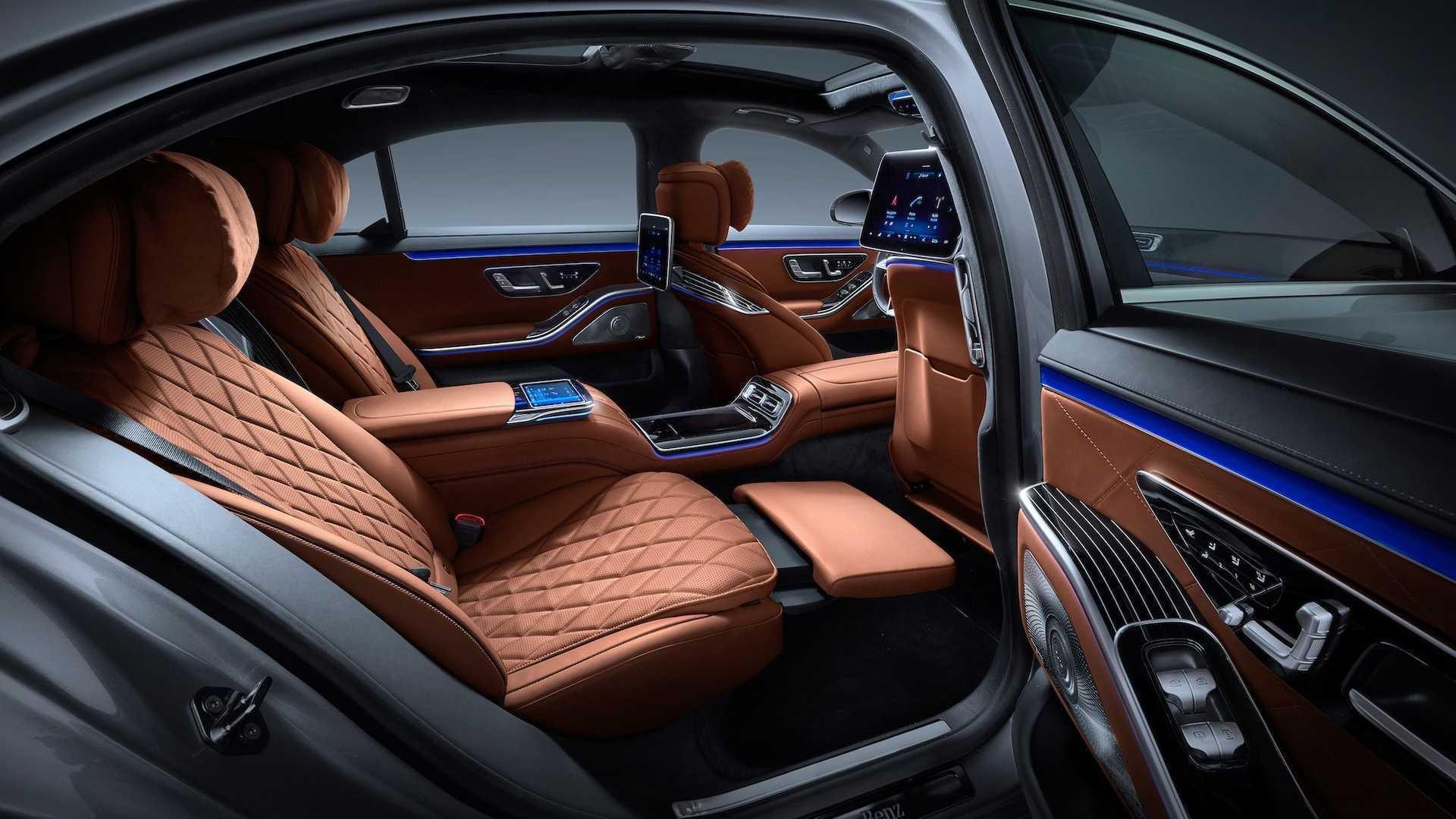 先不说外观,就说全新奔驰S级W223的配置,大哥还是大哥