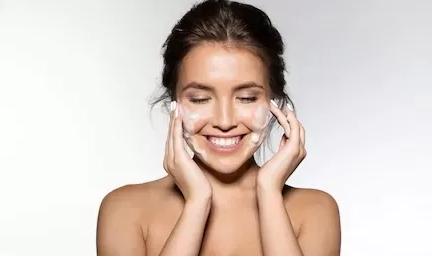 睡前护肤的正确步骤,你做对了吗? 美容美白 第3张