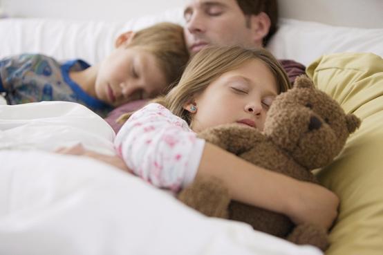 """孩子在这个""""时间点""""之前入睡,对身体是最好的,宝妈们要记住了"""