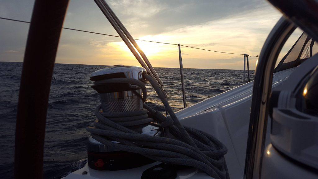 游艇夜航:小小的准备让你避免恐惧