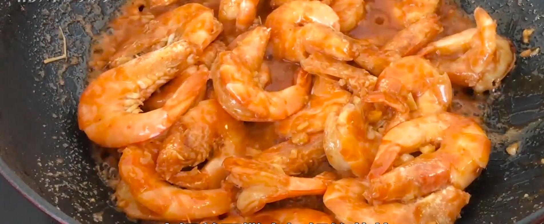 做大虾时,不要直接用水煮,教你正确做法,虾肉鲜嫩入味超好吃 美食做法 第14张