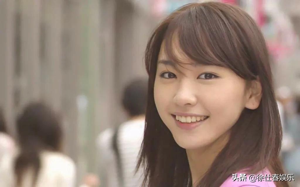 太美!新垣结衣当选2020日本国民女神,力压石原里美夺得冠军