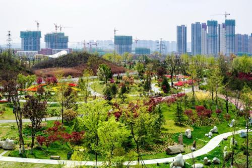"""陕西省西安植物园入选首批""""西安市中小学生研学旅行实践教育基地"""""""