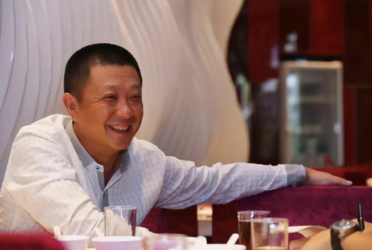 失去新加坡首富头衔,身价跌至867亿,海底捞疯狂开店策略对吗?