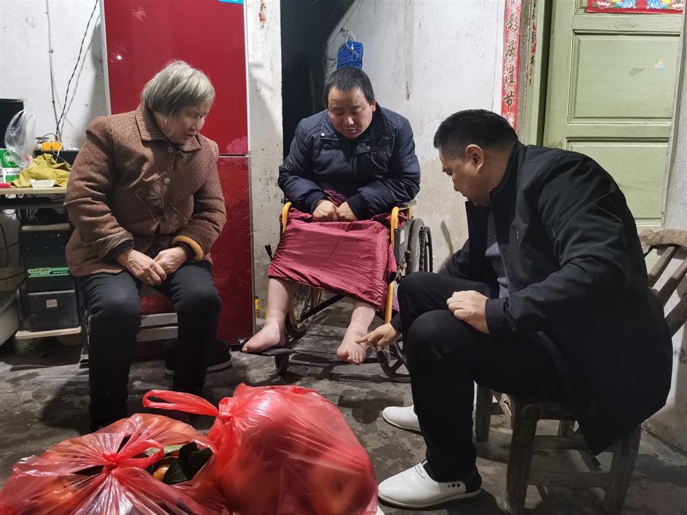 河南信阳:热心公益勇担当 医者仁心铸大爱