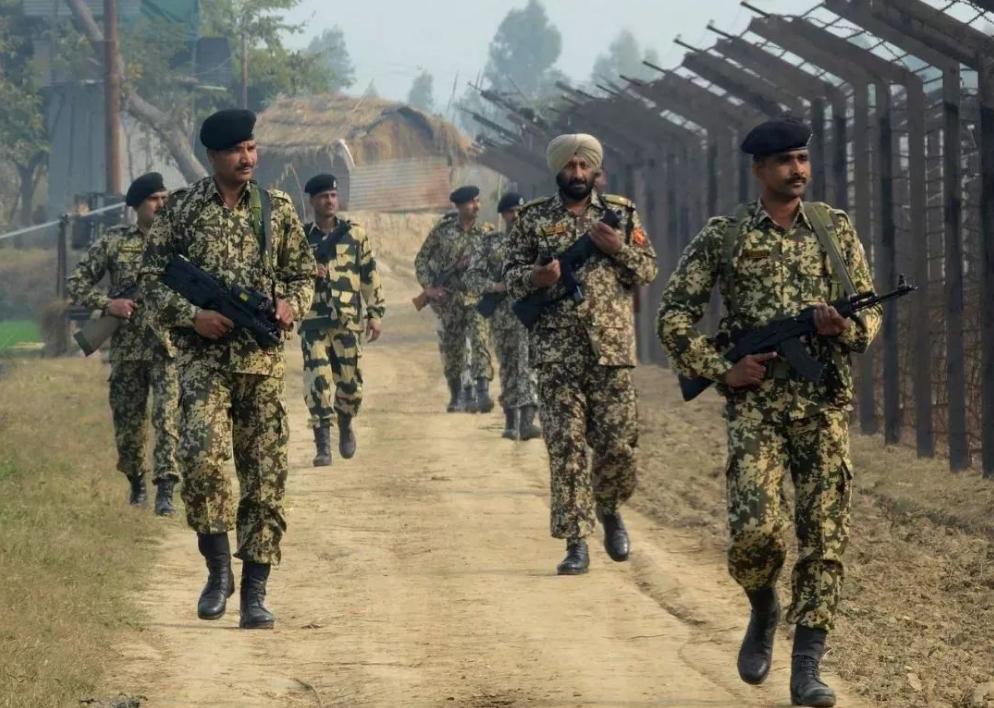 印高官现身拉达克后,印媒释重要信息:不会接受中国建立非军事区的建议