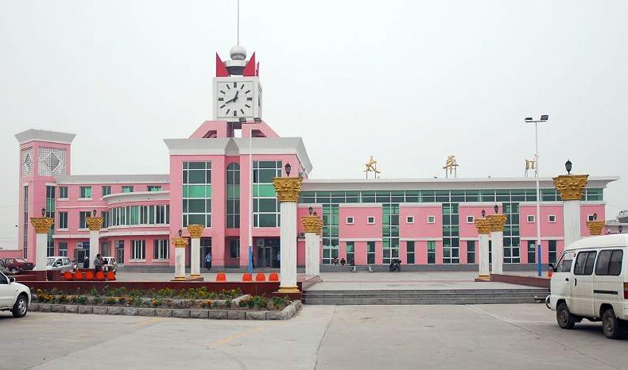吉林省松原一个县,两条铁路过境,却没有在县城设火车站
