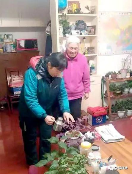 王玉霞:把火紅的心獻給社會