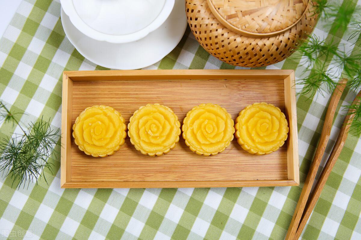 绿豆别只会做汤了,教你绿豆糕的做法,香甜清凉又爽口,入口即化 美食做法 第2张
