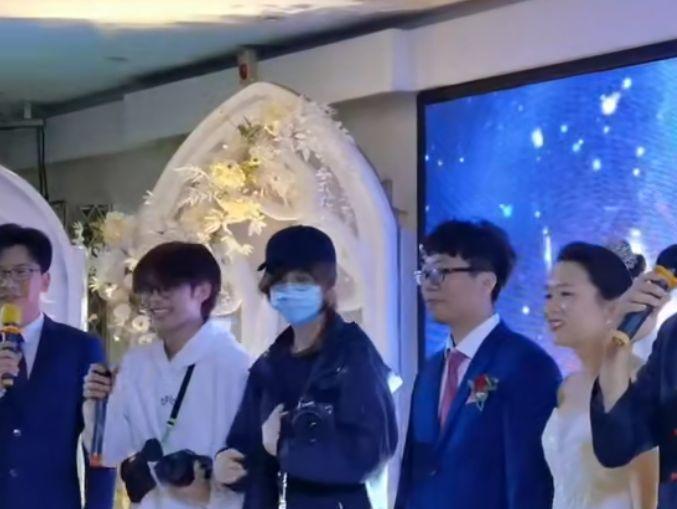 鹿晗 邓超 陈赫 王晨艺 等现身武汉拍摄新综艺,还参加了婚礼