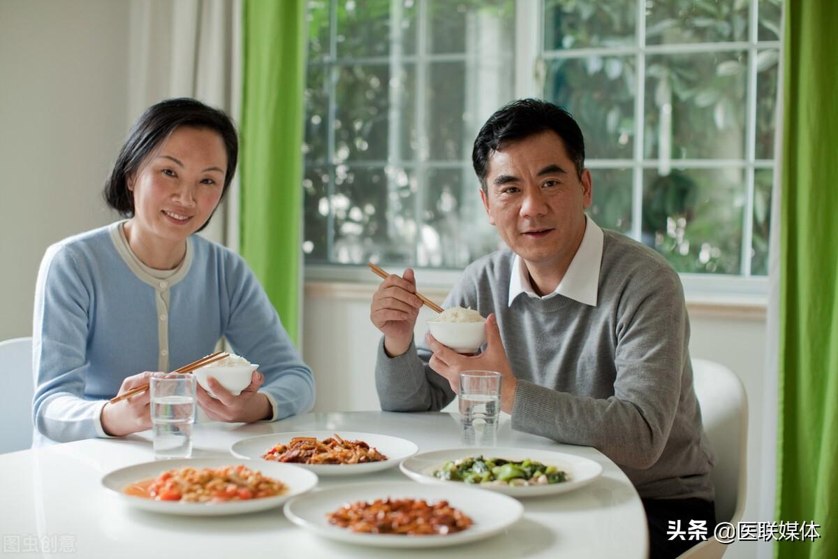"""老年人经常出现消化不良?做到""""3吃3改"""",提高胃动力"""
