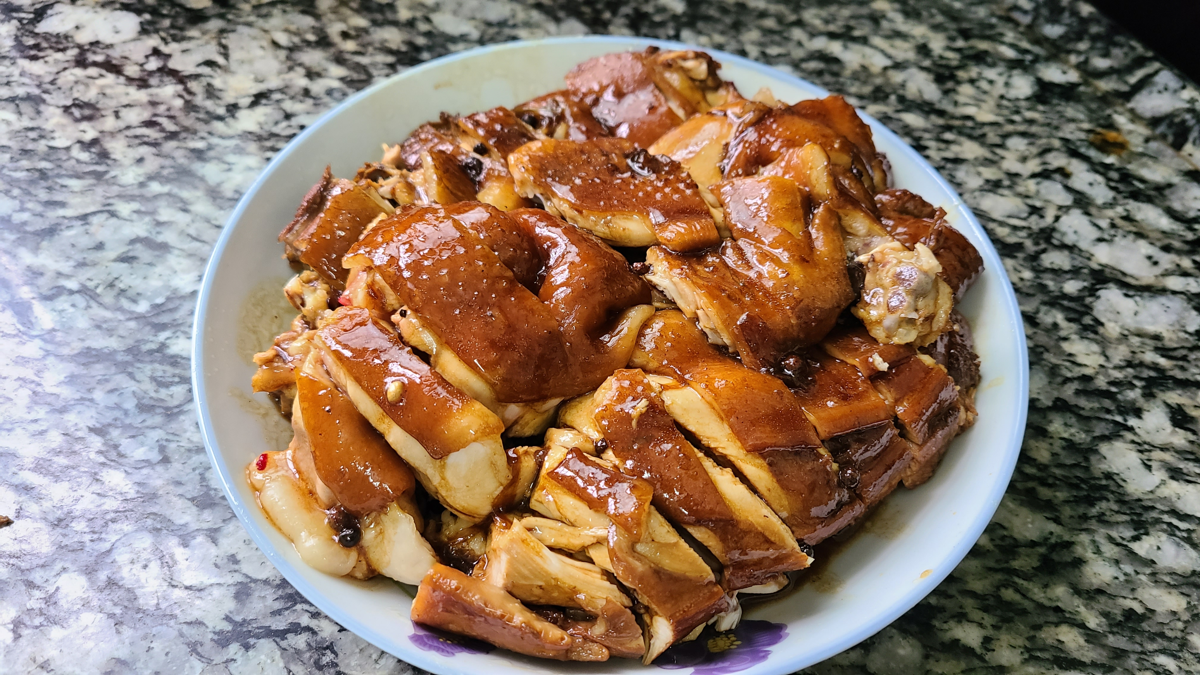 过年鸡肉这样做更香,简单做法又好吃,味道浓香又好看 美食做法 第1张