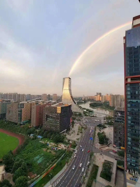 从双杠彩虹到人间仙境,你还见过天府软件园哪些奇景?