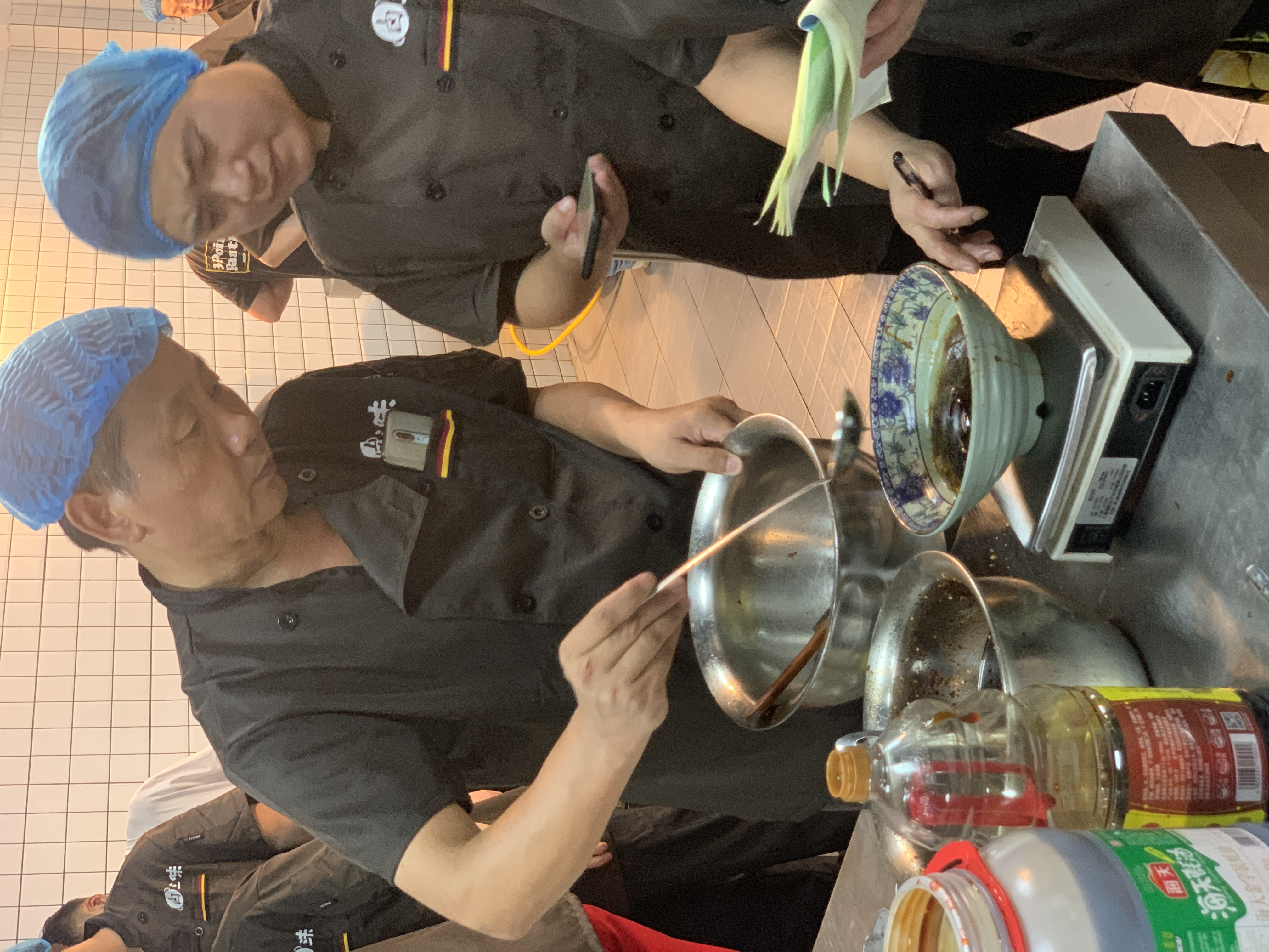 创业真的会改变命运!在镇上学习卤三味配方开家小店,幸福美满