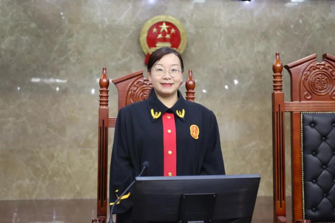 日照中院刑庭副庭长胡凤霞:刑庭女法官的剑胆琴心