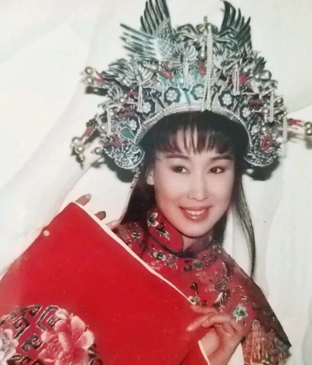 夏光莉凭《新白娘子》演李碧莲走红,巅峰时为爱隐退,却遇骗婚