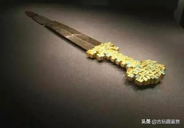 千年古墓打开后竟藏有满地黄金,考古专家都吓到了!这是为何?
