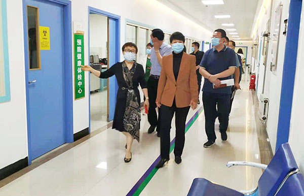 运城经开区党工委领导到安国医院现场调研办公