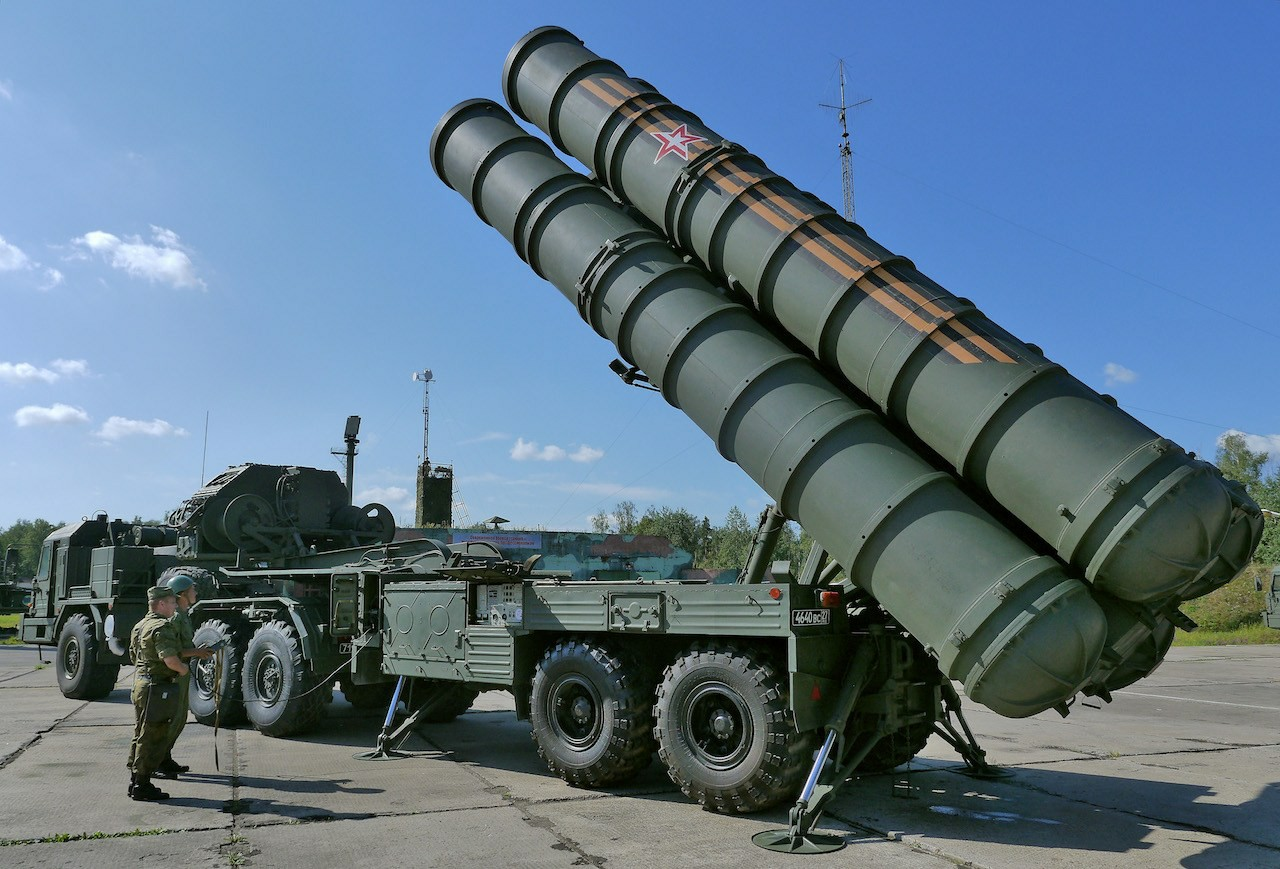 俄罗斯S400防空系统装备中国,30亿美元没白花,与红旗9强强联合