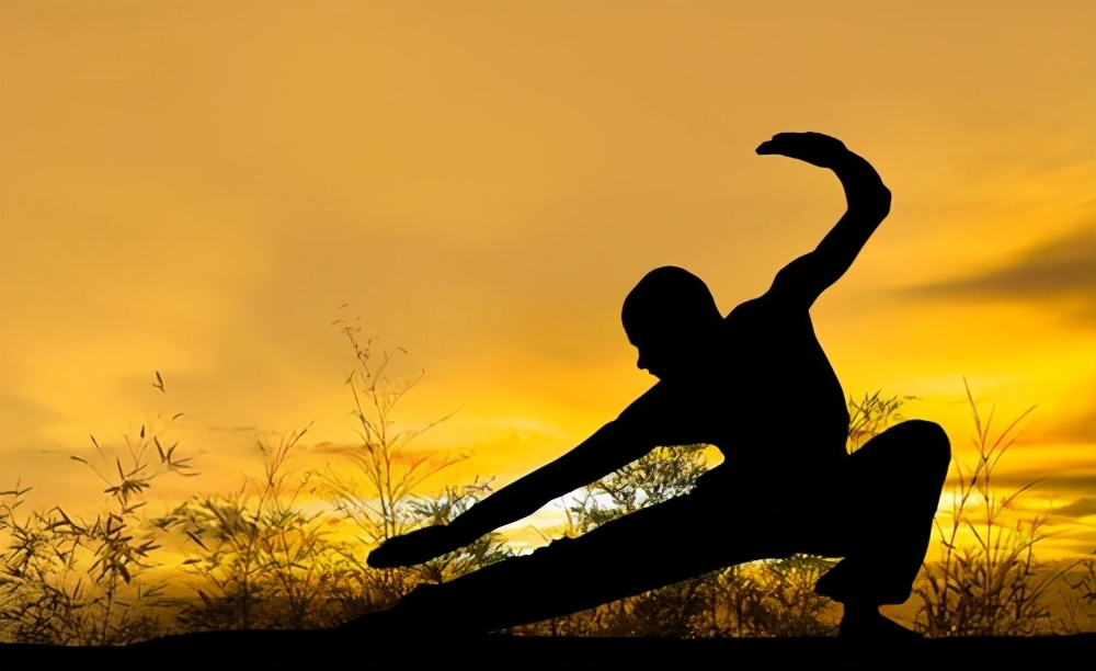 <em></em>92年前杭州武术大赛:江湖上赫赫有名的高手,竟被一学生踢下台