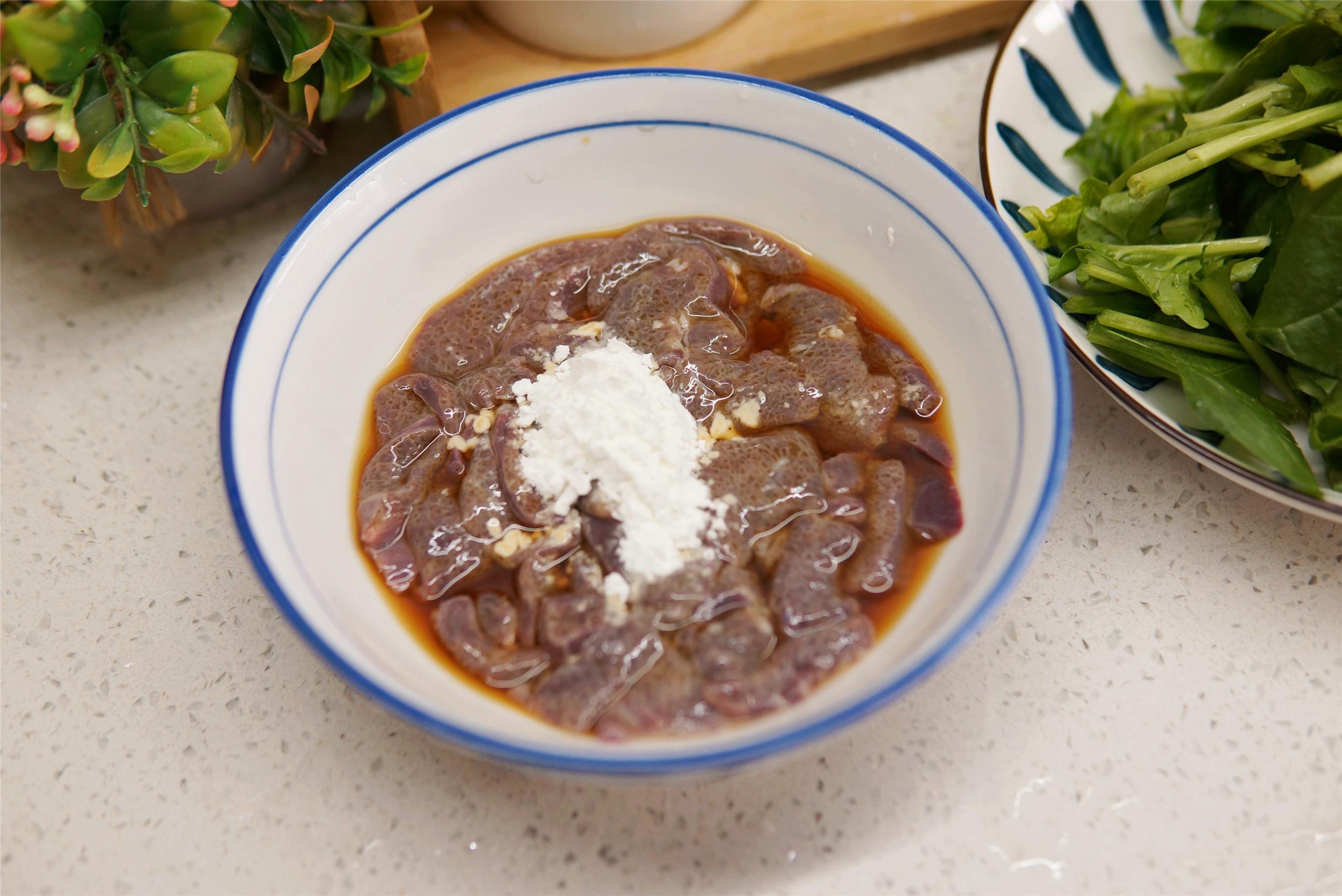 春天要常喝粥,大米加猪肝这样煮,温和更有营养,熬一锅特香 美食做法 第4张