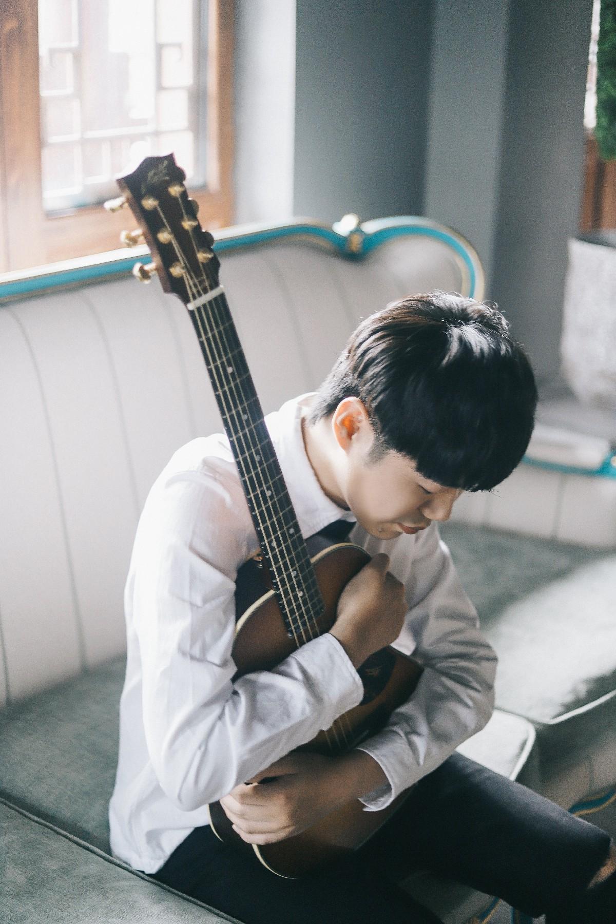 新歌首发:民谣在路上联手陈硕子《如果此生没有遇见你》