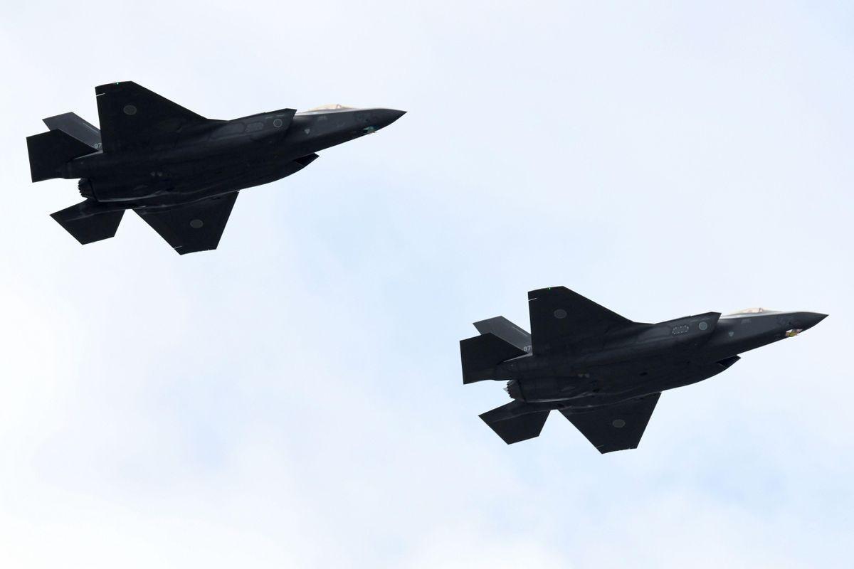 """""""让中俄感到恐惧!""""日本隐身战机高调部署,面对歼20胜算如何?"""