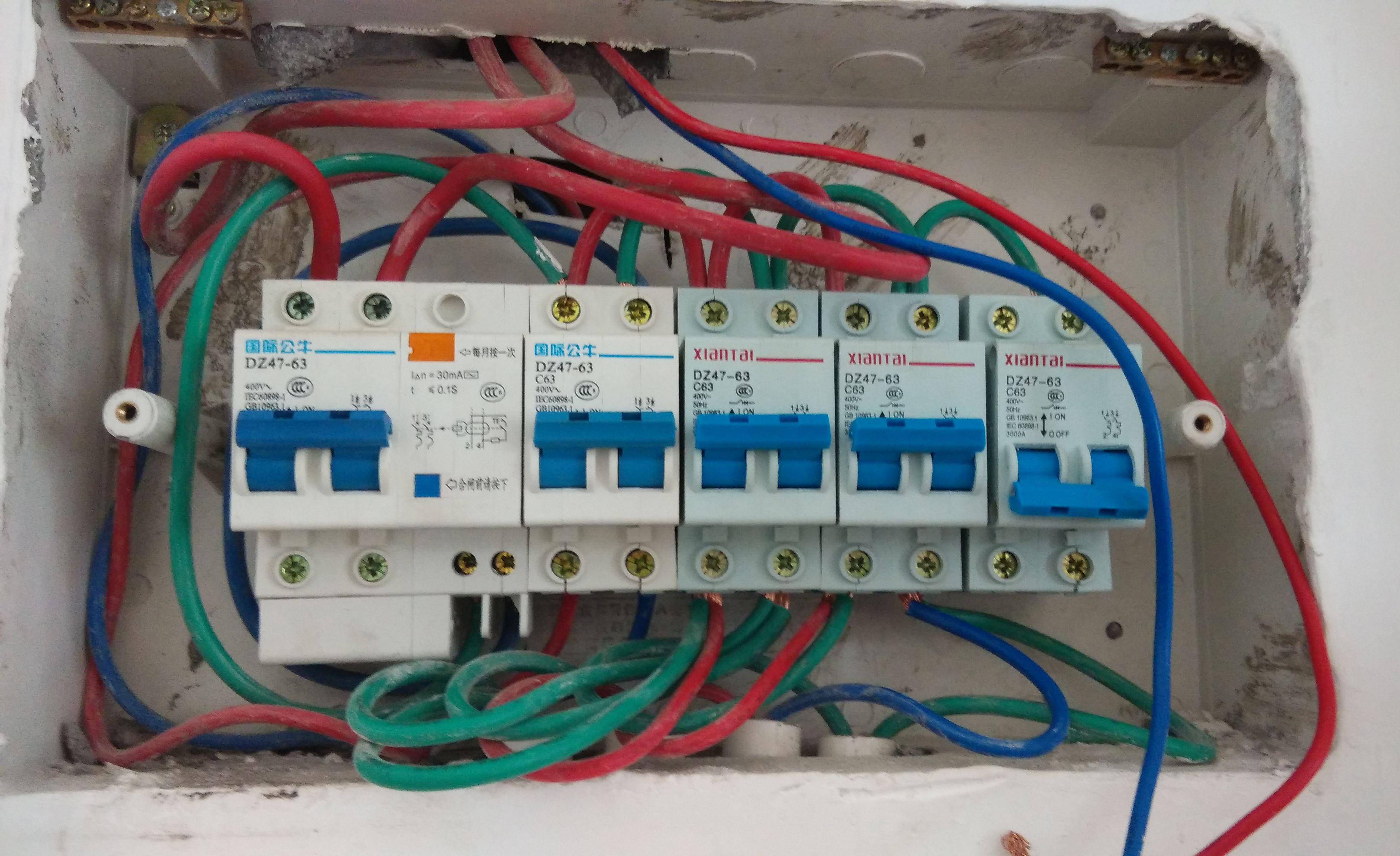 家庭电路用多大的电线?电线越粗越好吗?错了,老电工是这样做的