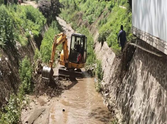 周至县哑柏镇全面开展河道清理整治工作
