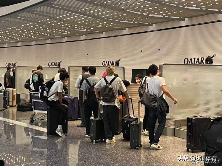 扎心!武磊机场偶遇16大日本国脚返回欧洲:我们和亚洲强队差距很大