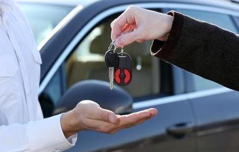 不建议年轻消费者贷款买车,特别是0首付买车!道理一次说透