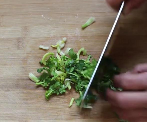 酸汤水饺的做法 味道酸辣可口