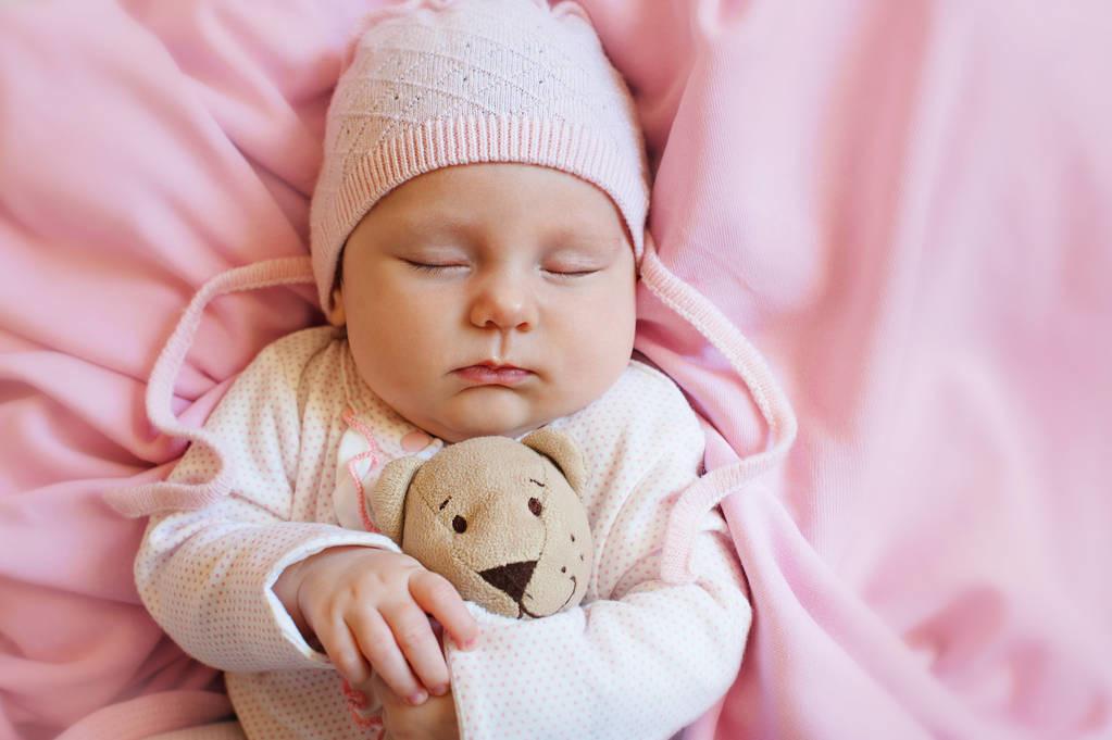 新生宝宝怎么带?儿科医生提醒:注意5个细节,娃既聪明又健康