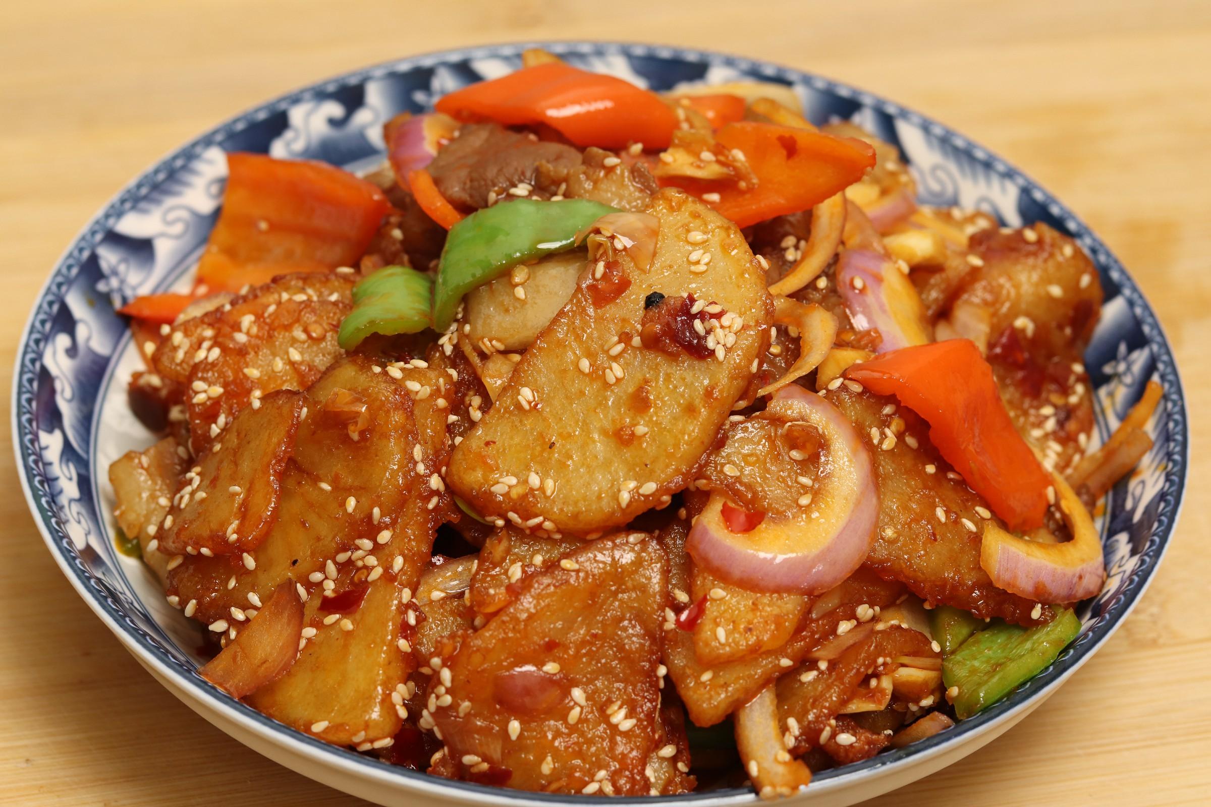 做干锅土豆片,切记不要直接下锅炸,多加一步,好吃不油腻
