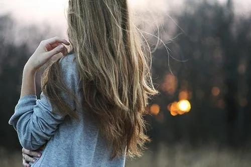生活情感说说:幸福不是努力去爱,而是安心生活