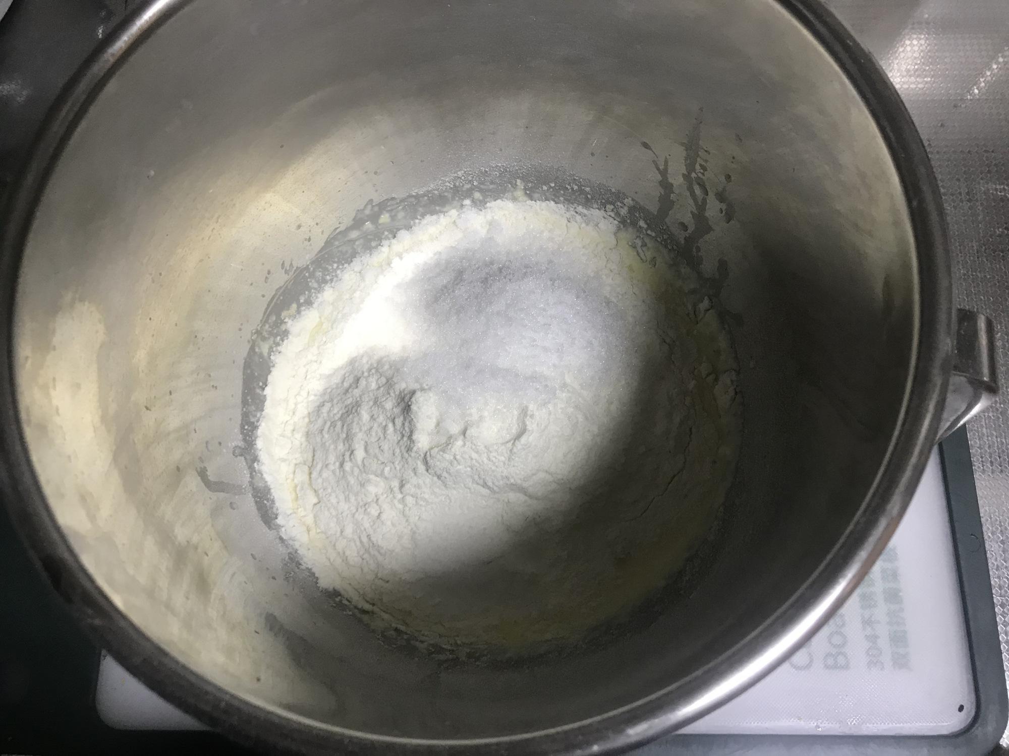 用了3年的麵包配方,不用黃油,一次發酵,蓬鬆暄軟,放3天不硬
