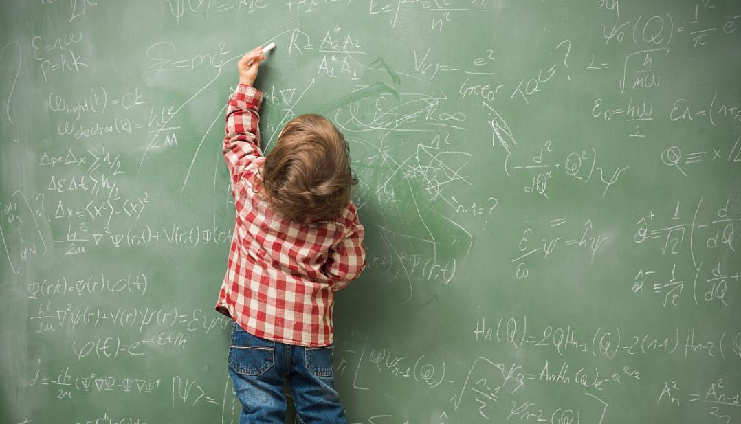 """左撇子宝宝更聪明?可能真的有这些""""超能力"""",聪明的家长这样做"""