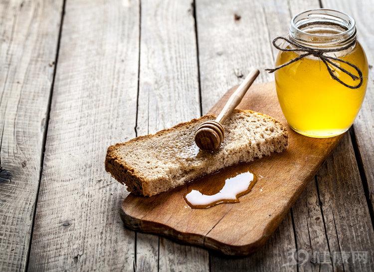 喝对了养生,喝错了招病:蜂蜜的好与坏,都在此文