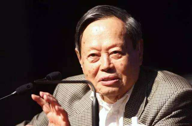 杨振宁:我曾与爱因斯坦交流过1.5小时,却从来没有获得智慧