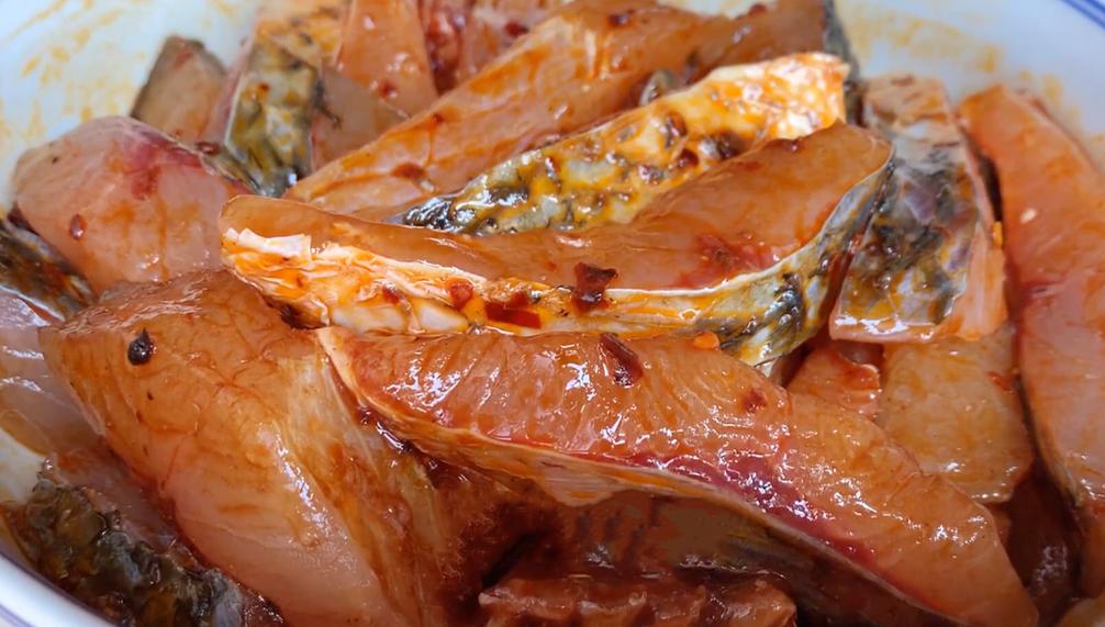 砂锅鱼肉煲的做法
