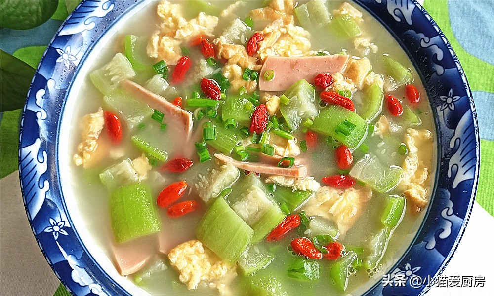 天热容易出汗 多给家人煮这汤 鲜美好吃又省时 做法还超级简单