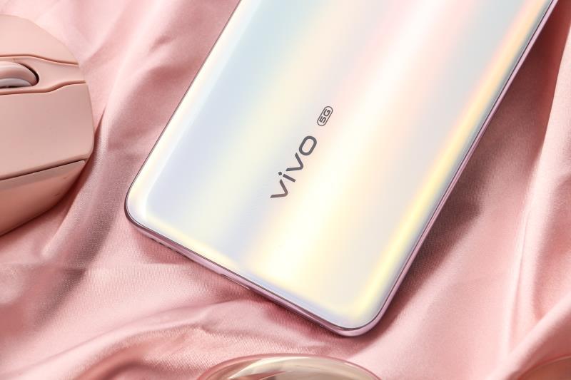 vivo S6初尝,一部专为年青人而打造出的时尚潮流5G手机上
