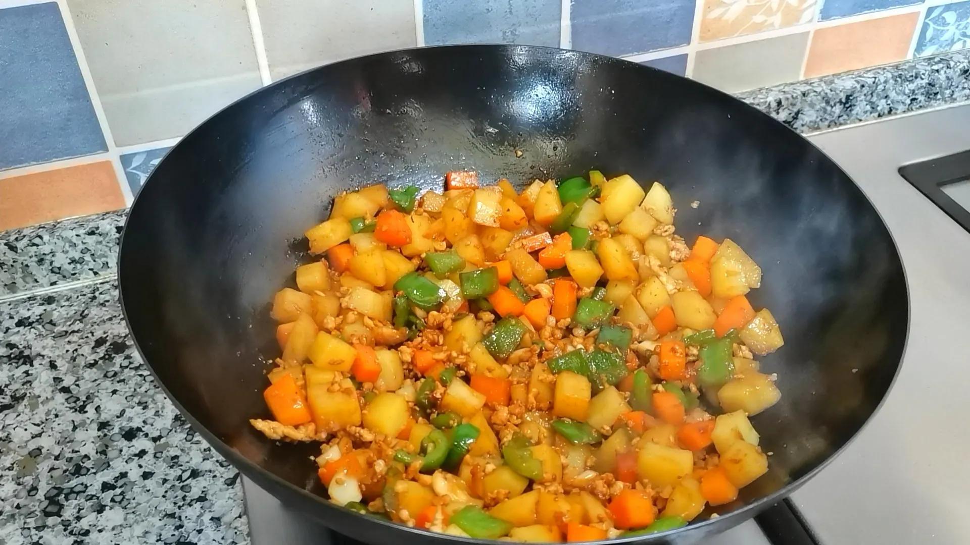 土豆的神仙吃法,连孩子都能多吃半碗饭,制作简单,好吃又营养 美食做法 第11张