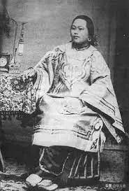 一位虚构的中国女英雄,被美国人传颂100年,至今还拿她吸引游客